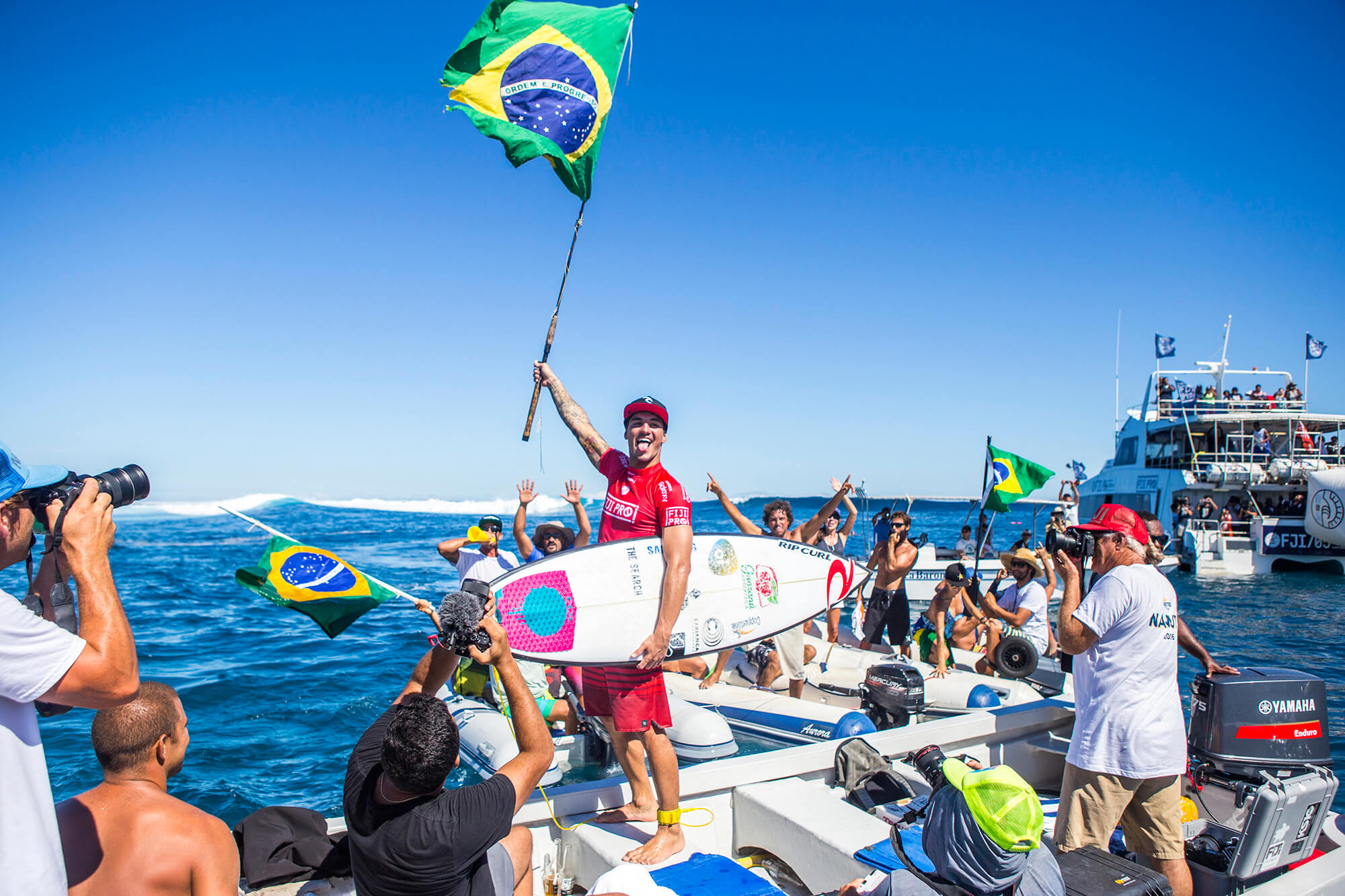 Gabriel Medina wins the Fiji Pro 2016 with a surfboard shaped by Johnny Cabianca